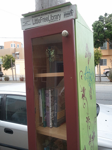 LittleFreeLibrary Book Stand